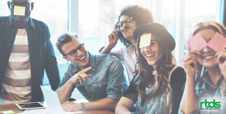 become-excellent-team-player-at-your-workplace